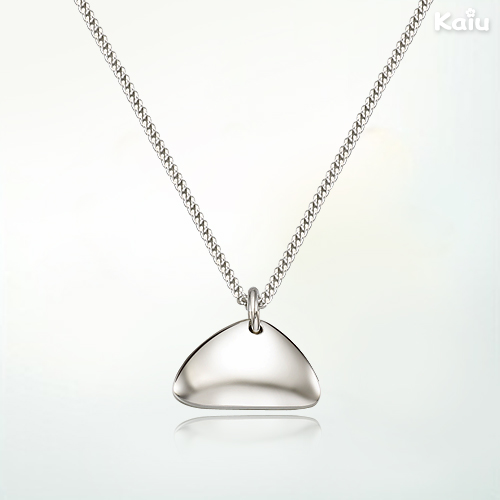 Silver Triangle Figure Baby Necklace